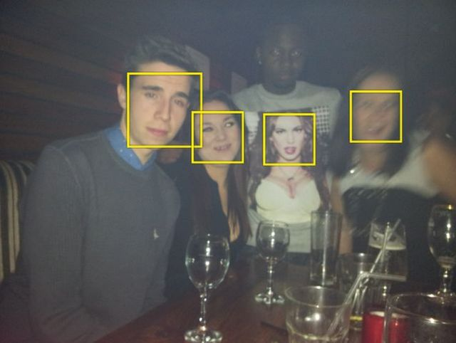 When camera facial recognition apeN7SK